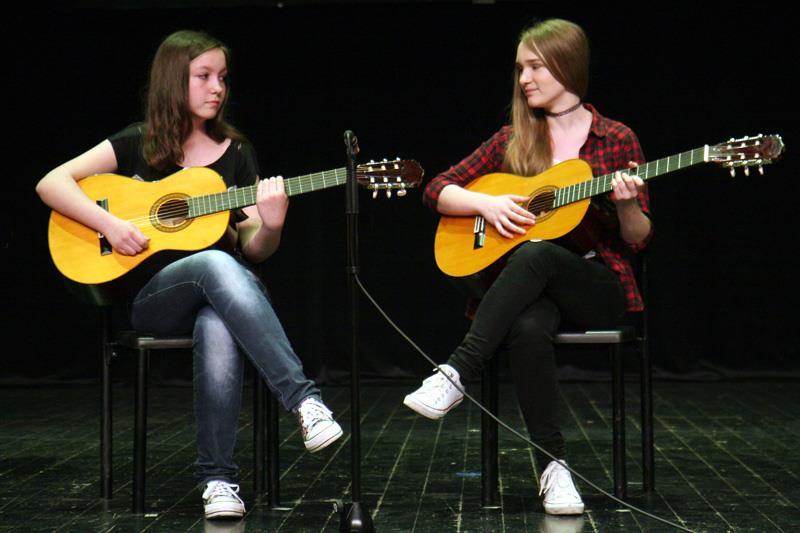 upoznavanje gitarske gitare filipina dating samci