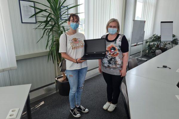 Donacija laptopa_Lucija Klarić